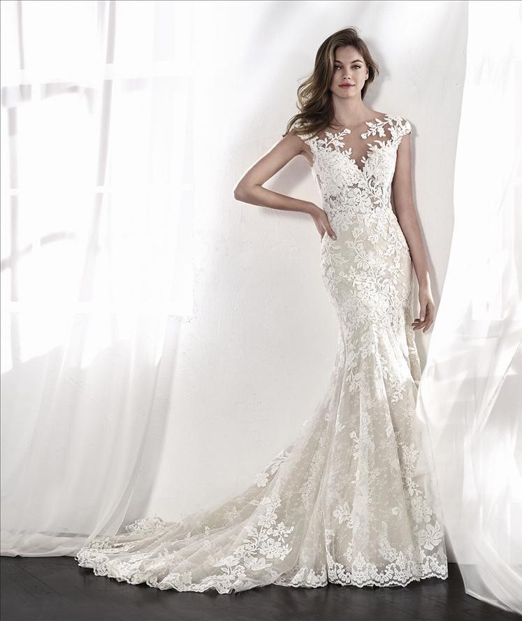 Real Brides Wearing Stella York: St Patrick A Leticia Wedding Dress